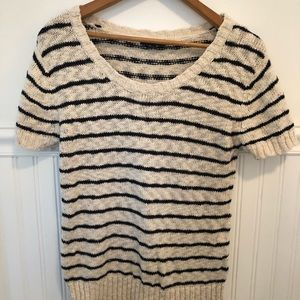 Gap Loose Knit Short Sleeve Sweater- medium